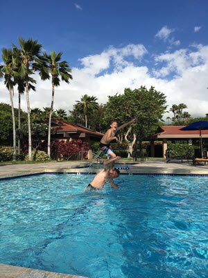 Kids playing in Wailea Point pool
